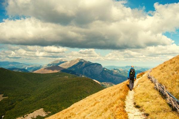 agriturismo in umbria immerso nella natura - trekking al Monte Cucco