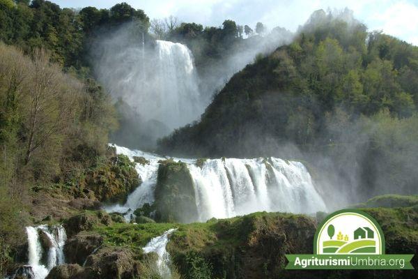 Vacanza in Umbria - Visita alle cascate delle Marmore