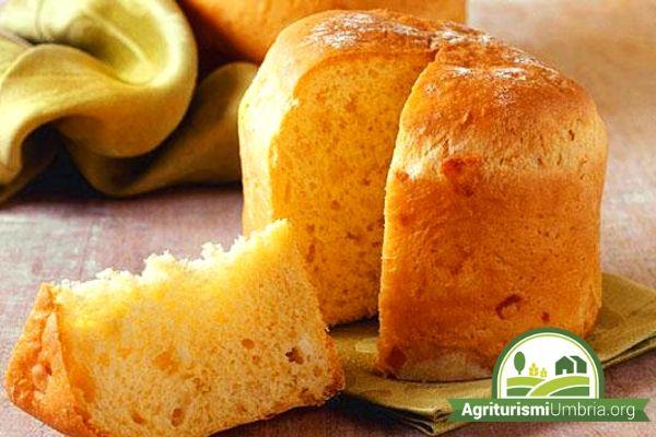 prodotti tipici negli agriturismi umbria - torta di pasqua al formaggio