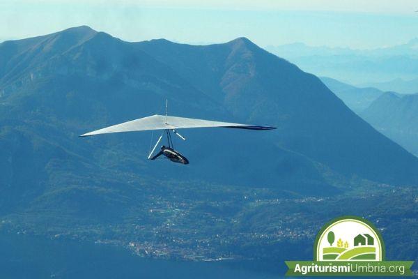 Cosa fare in Umbria? - volo in deltaplano